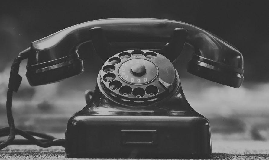 ¿Deberías confiar en las psíquicas por teléfono?